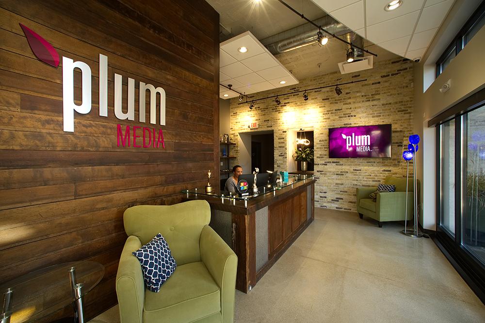 plum-lobby-1000x